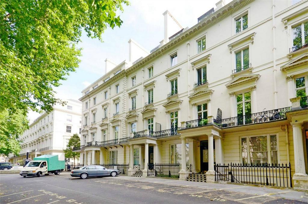 3 Bedrooms Flat for sale in Westbourne Terrace, London