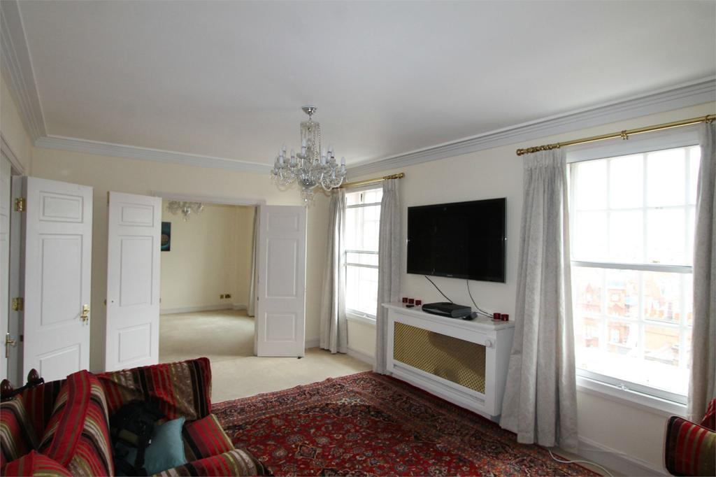 3 Bedrooms Apartment Flat for sale in New Hereford House, 117 - 129 Park Street, London