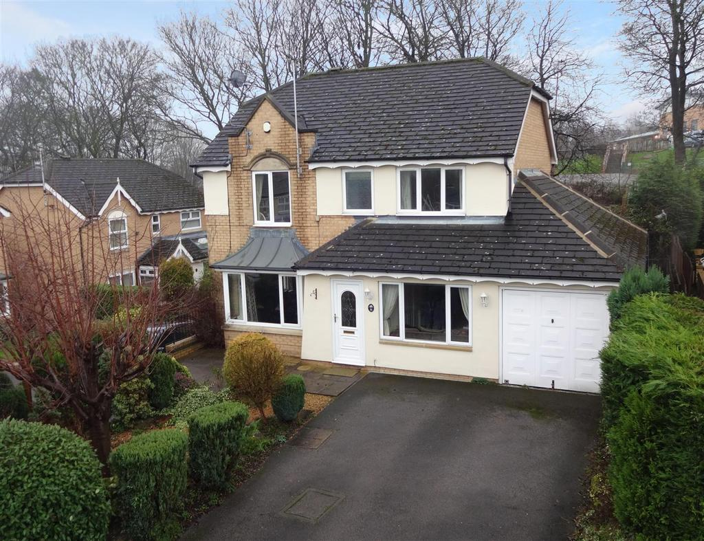 4 Bedrooms Detached House for sale in Long Preston Chase, Apperley Bridge