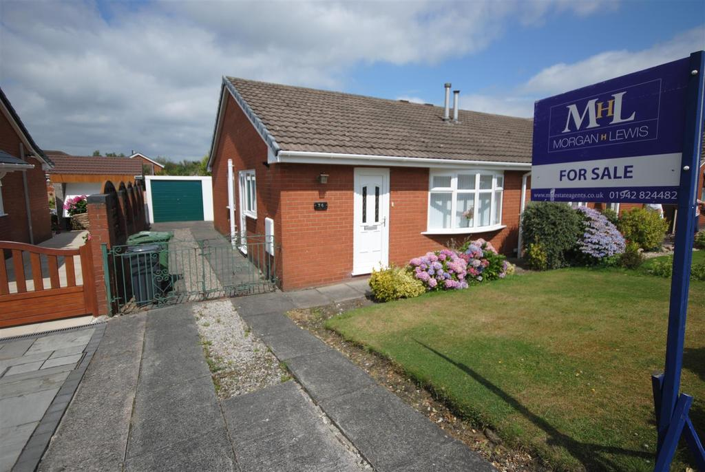 2 Bedrooms Semi Detached Bungalow for sale in Sherborne Road, Orrell, Wigan