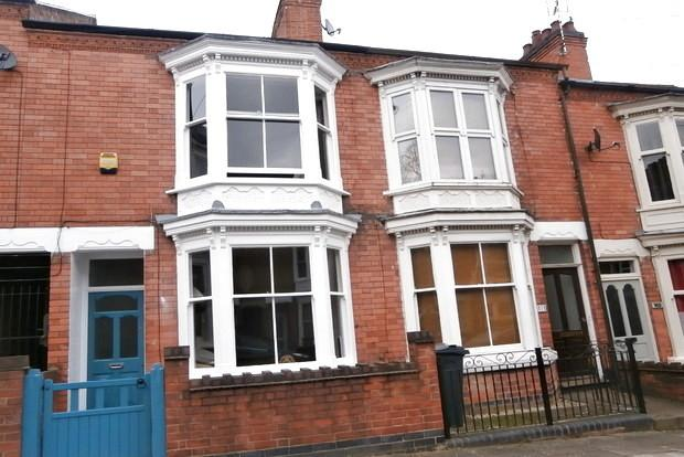 3 Bedrooms Terraced House for sale in Harrow Road, Leicester, LE3
