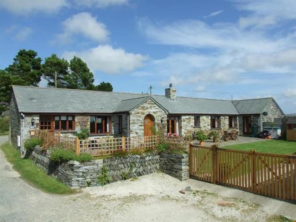 3 Bedrooms Barn Conversion Character Property for sale in Nr. Trebarwith Strand and Delabole, Cornwall, PL33