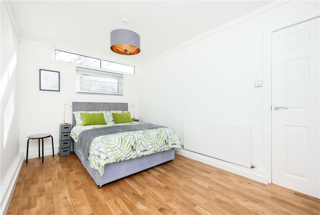 Chatsworth grove harrogate north yorkshire 2 bed for Perfect kitchen harrogate takeaway