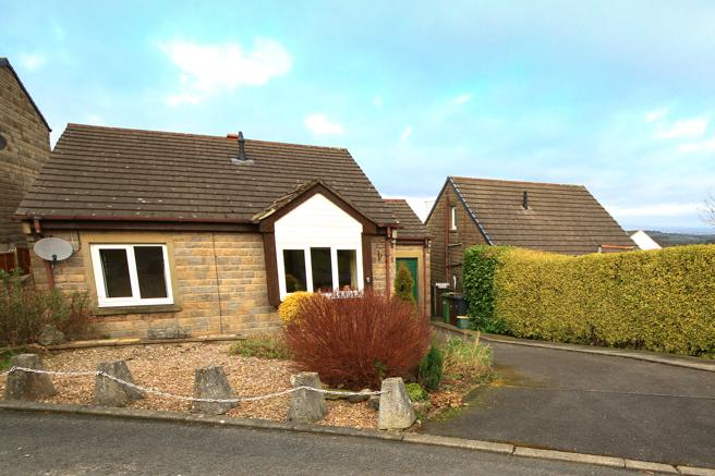 2 Bedrooms Detached Bungalow for sale in 14 York Fields, Barnoldswick BB18