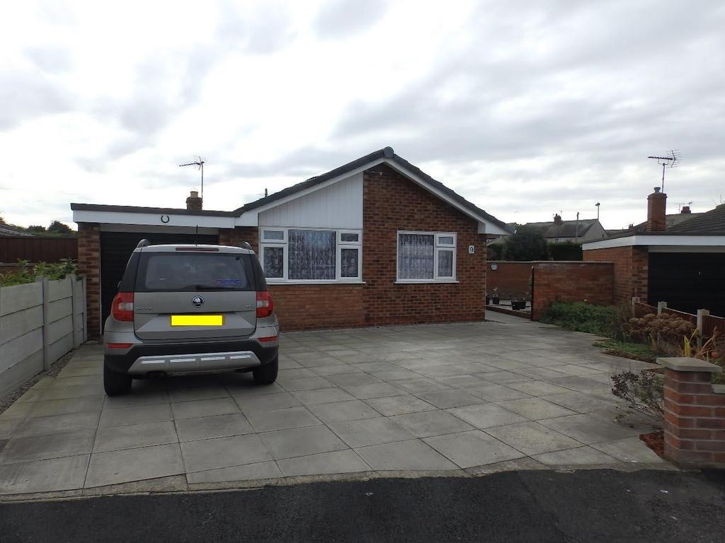 2 Bedrooms Detached Bungalow for sale in Bod Llewelyn, Rhyl