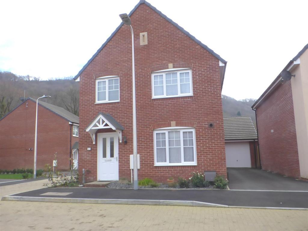 4 Bedrooms Detached House for sale in Golwyg y mynydd, Godregraig, Swansea