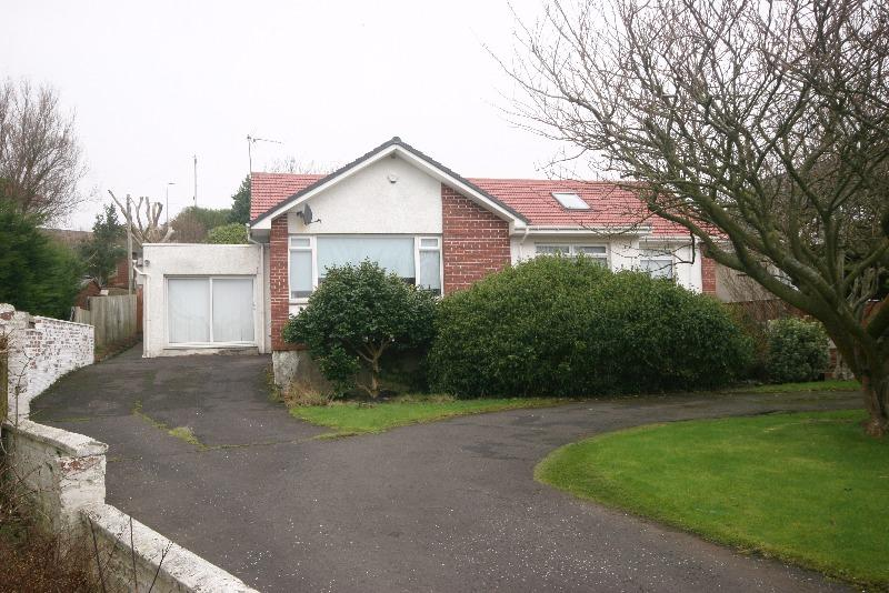 5 Bedrooms Bungalow for sale in Linnburn Terrace, Ardrossan, North Ayrshire, KA22 8NR