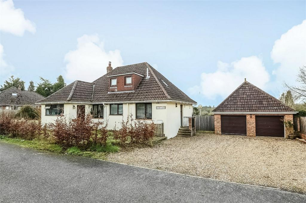 3 Bedrooms Chalet House for sale in Kings Worthy, Winchester, Hampshire