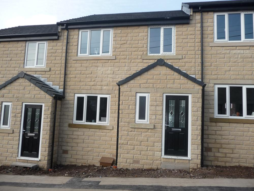 3 Bedrooms Terraced House for sale in Upper George Street Heckmondwike WF16 9LF