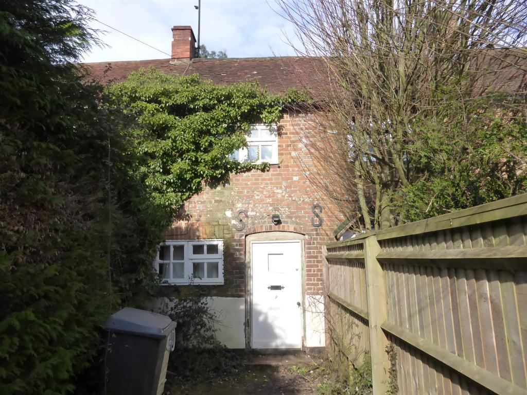 2 Bedrooms Terraced House for sale in Pangbourne Road, Upper Basildon, Reading