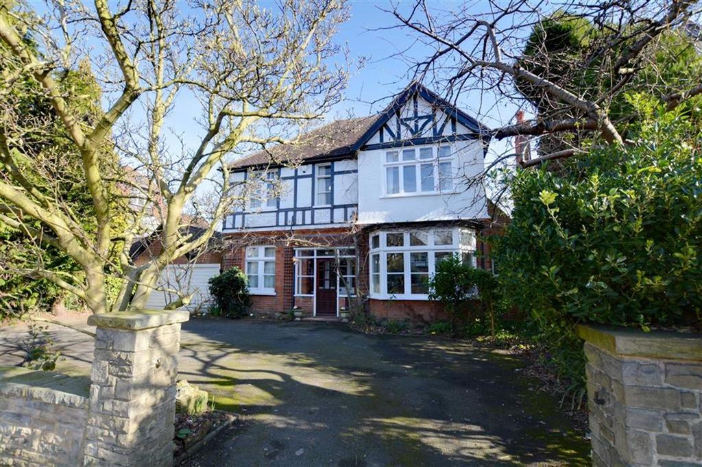 4 Bedrooms Detached House for sale in Hayes Road, Bromley, Kent