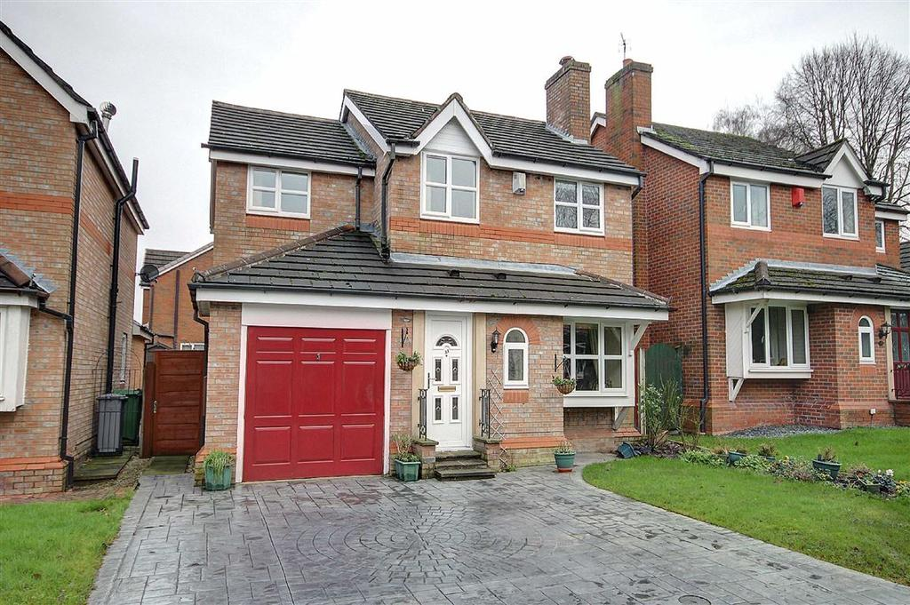 4 Bedrooms Detached House for sale in Honiton Way, Altrincham, Cheshire