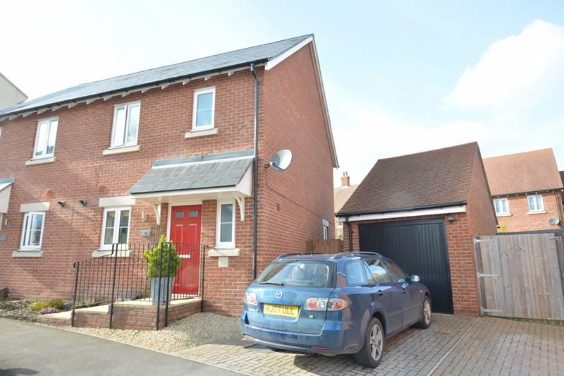 3 Bedrooms Semi Detached House for sale in Turnpike Road, Andover