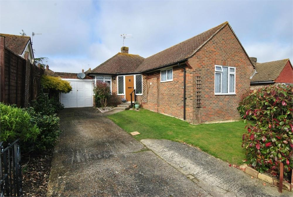 2 Bedrooms Detached Bungalow for sale in 5 Chichester Close, BEXHILL-ON-SEA, East Sussex