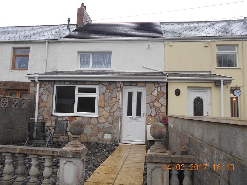 3 Bedrooms Terraced House for sale in Macgregor Row, Maesteg, Bridgend. CF34 0AP