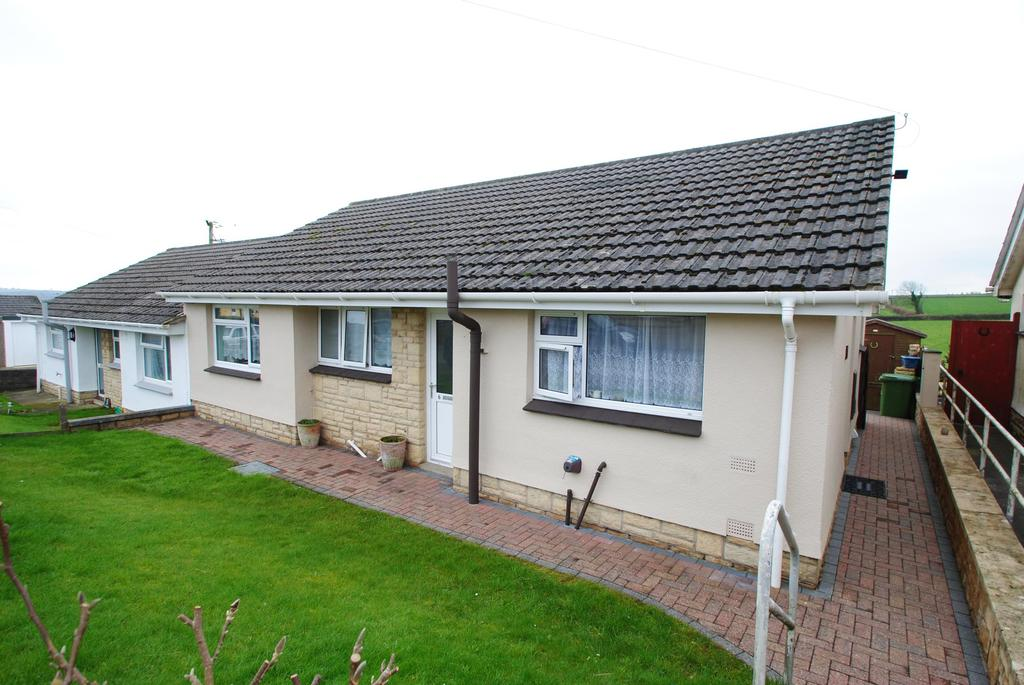 2 Bedrooms Bungalow for sale in Sunnyside, St Giles In The Wood
