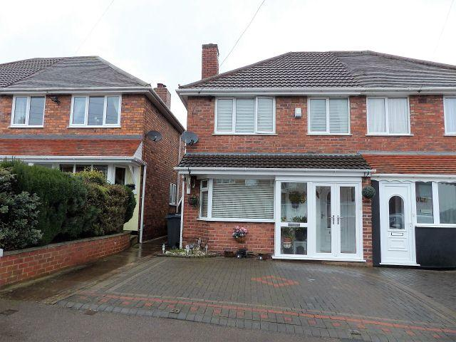 3 Bedrooms Semi Detached House for sale in Tideswell Road,Great Barr,Birmingham