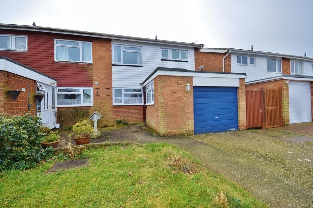 3 Bedrooms Semi Detached House for sale in Oakley, Basingstoke, RG23