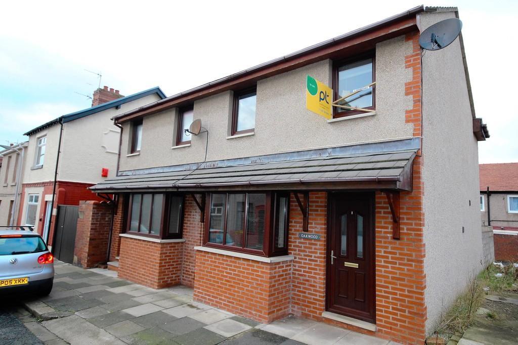 3 Bedrooms Semi Detached House for sale in Oakwood Dominion Street, Barrow-In-Furness