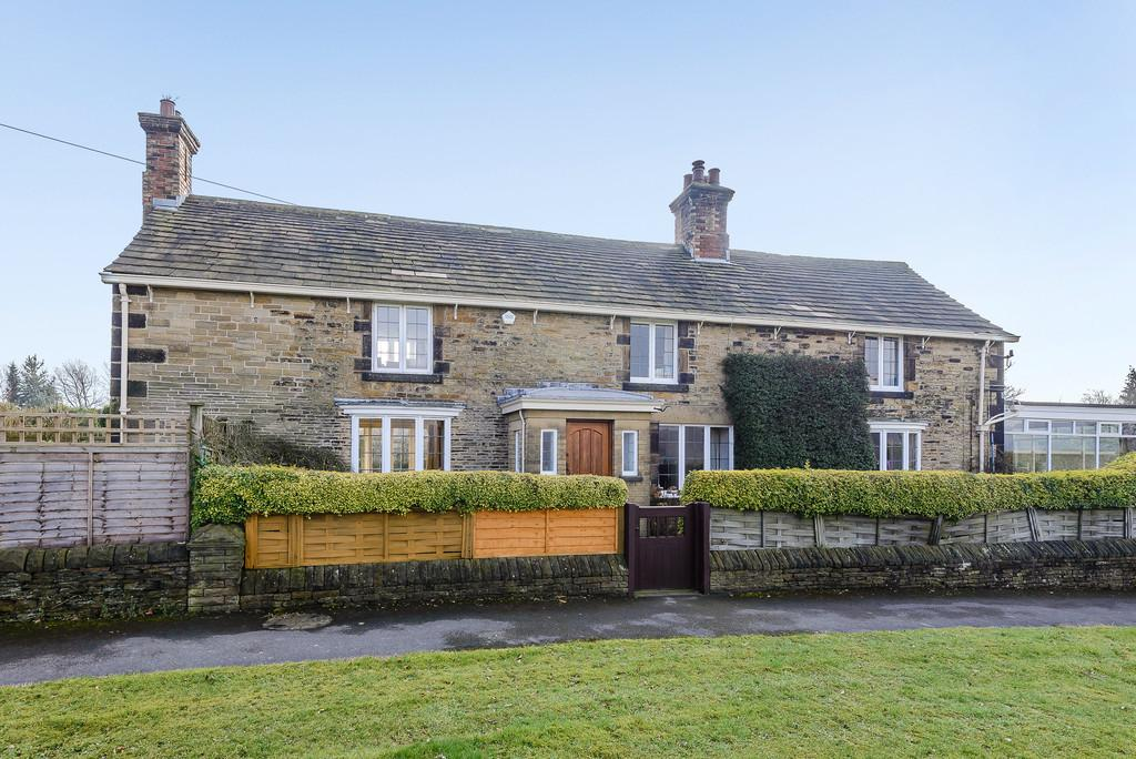 4 Bedrooms Detached House for sale in Lane Head Road, Cawthorne