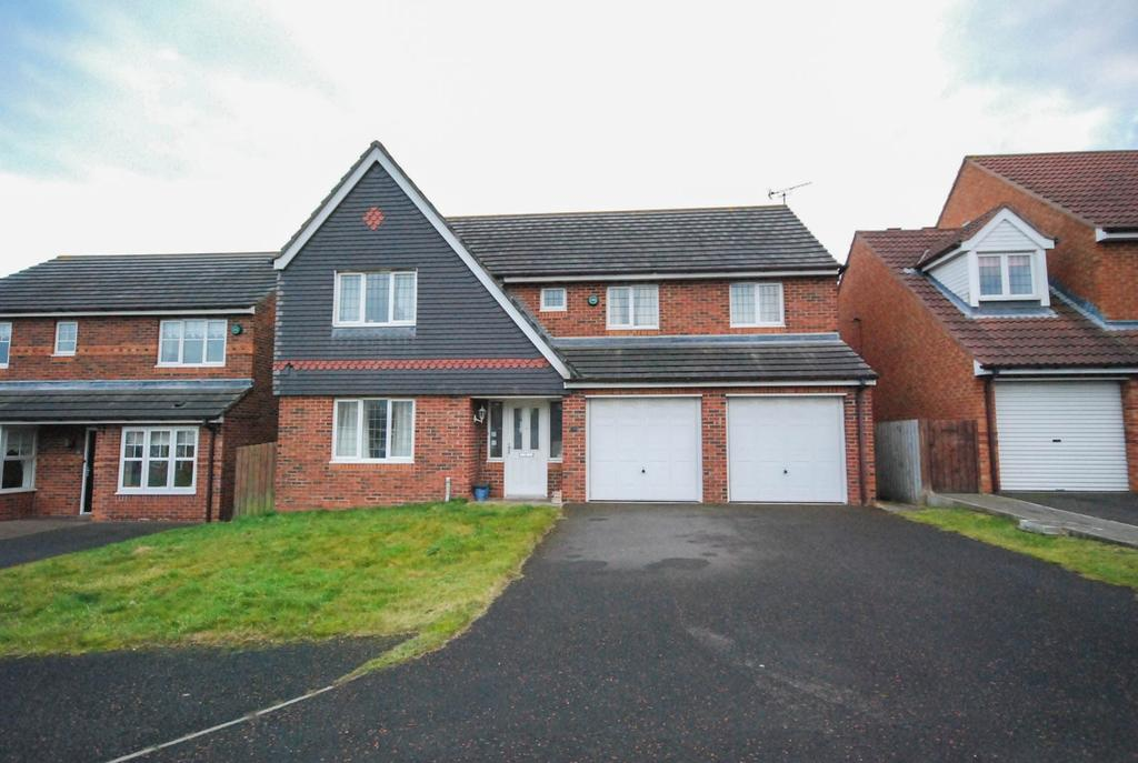 4 Bedrooms Detached House for sale in Highclere Drive, Tunstall Vale