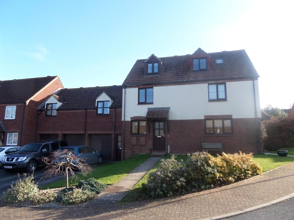 3 Bedrooms Terraced House for sale in Bazley Square, Monkerton