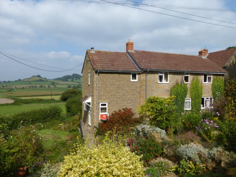 4 Bedrooms House for sale in Snails Hill, West Chinnock, Crewkerne, Somerset, TA18