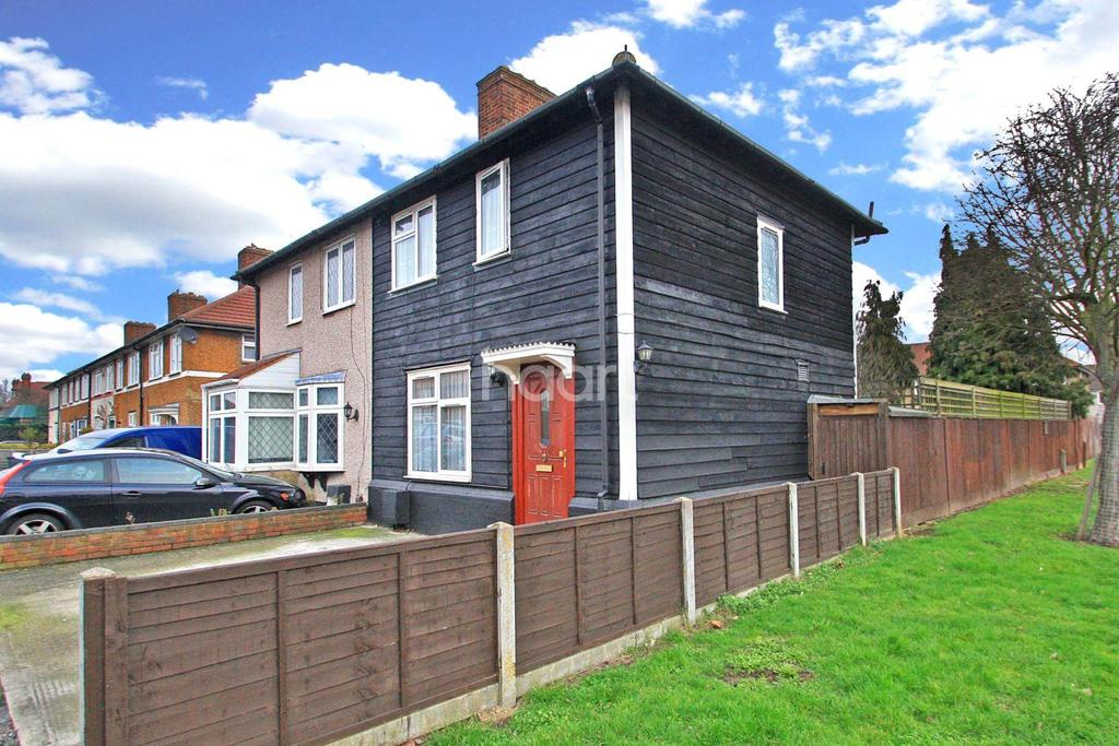 3 Bedrooms Semi Detached House for sale in Rogers Road