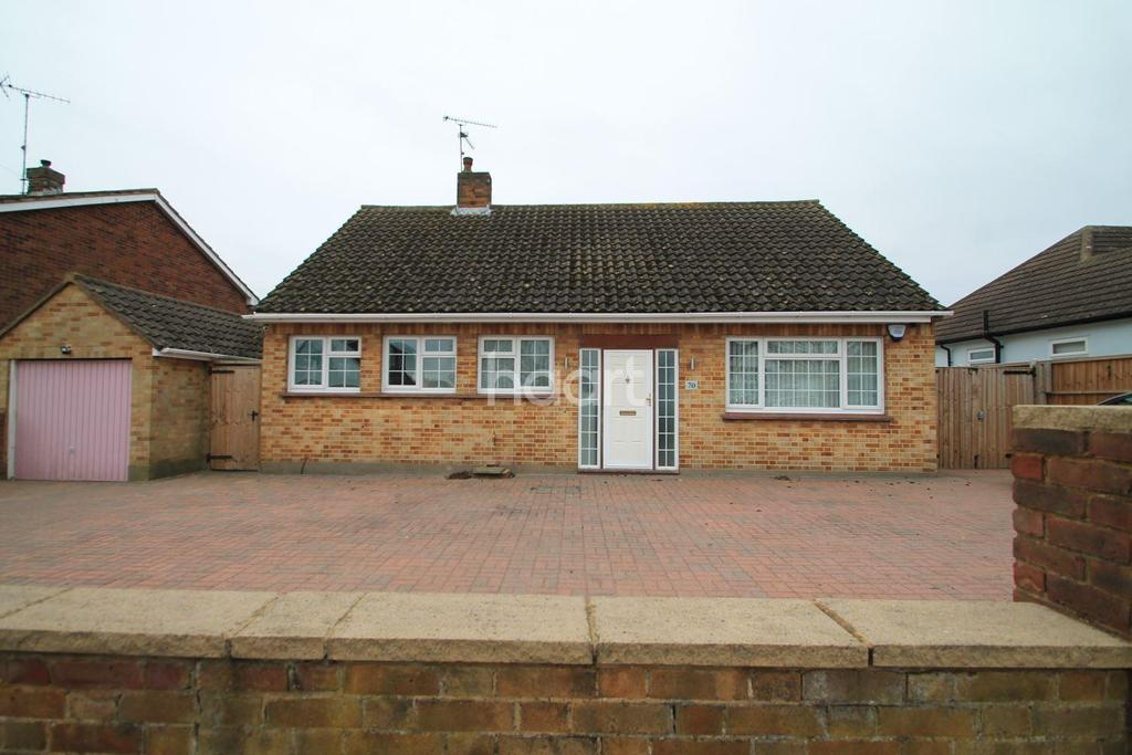 3 Bedrooms Bungalow for sale in Gravel Road, Leigh-On-Sea
