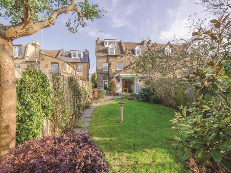 5 Bedrooms Semi Detached House for sale in Tetherdown, London N10