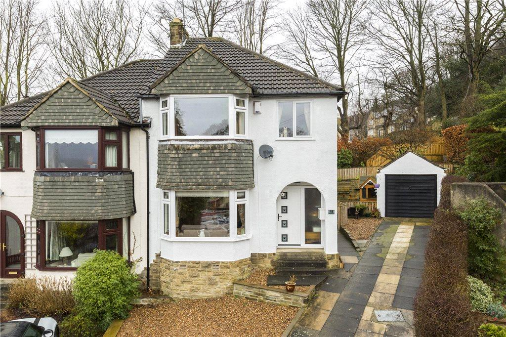 3 Bedrooms Semi Detached House for sale in Villa Grove, Bingley, West Yorkshire