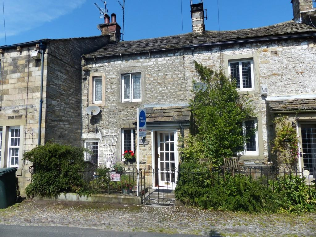 3 Bedrooms Terraced House for sale in Pollys Cottage, Kettlewell