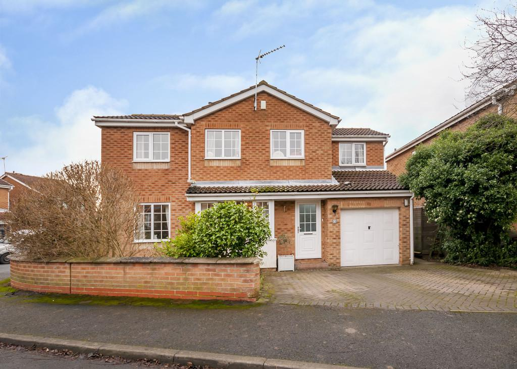 4 Bedrooms Detached House for sale in Wheatfield Drive, Tickhill