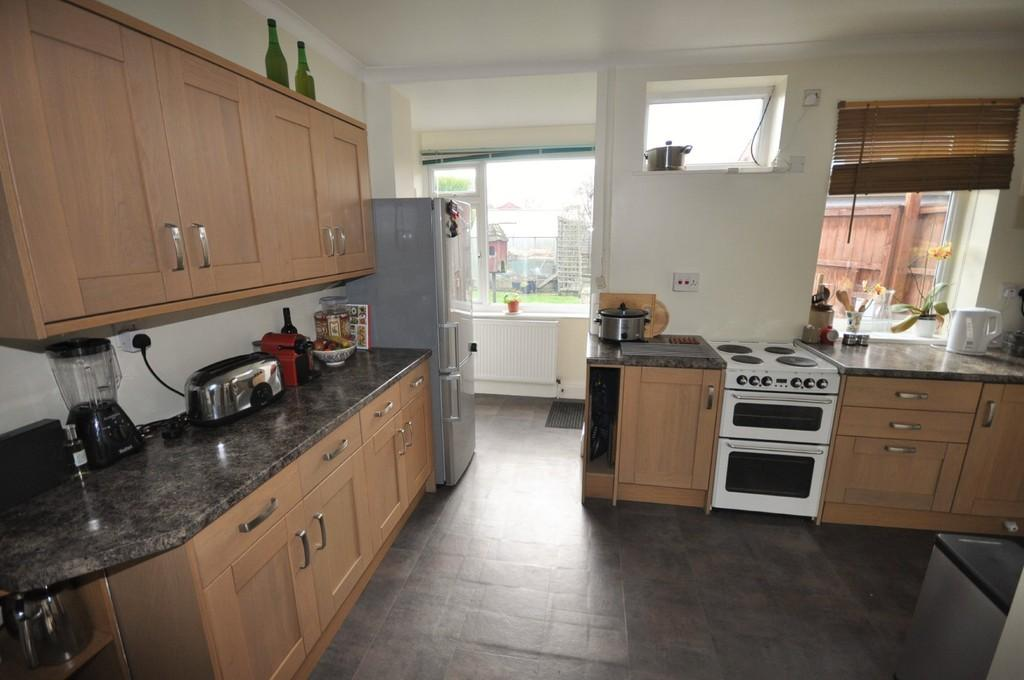 5 Bedrooms Detached House for sale in Plantation Road, Thorne, Doncaster