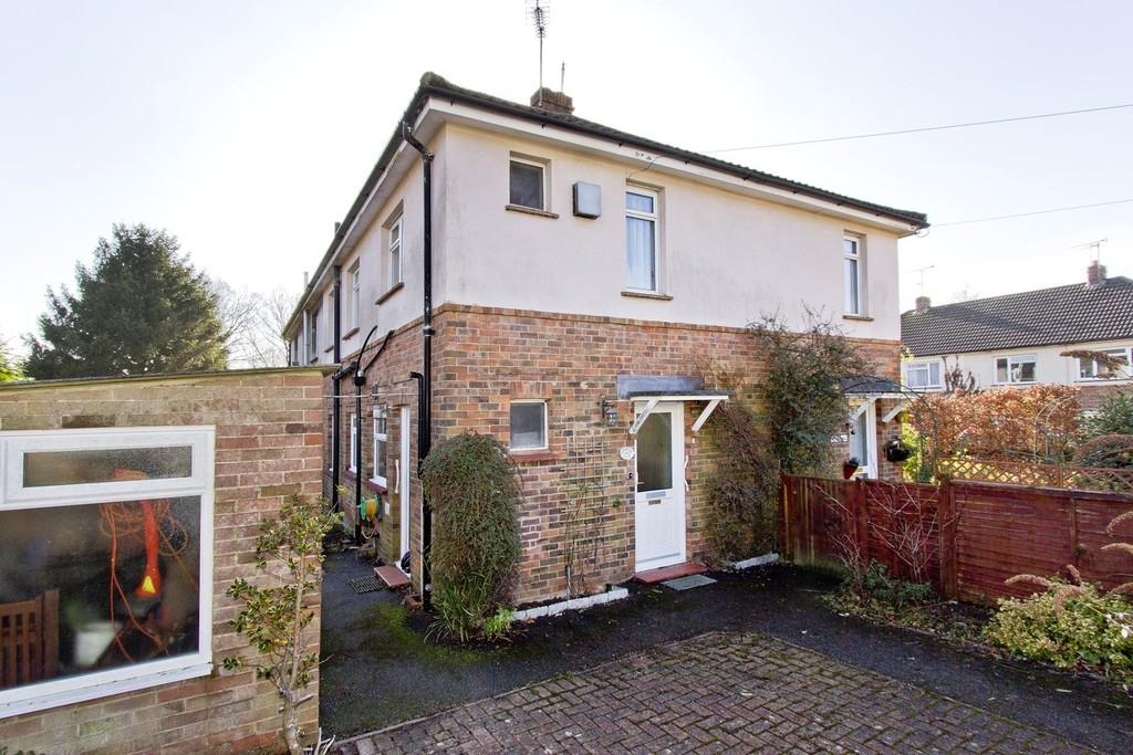 2 Bedrooms Ground Flat for sale in Windsor Road, Crowborough
