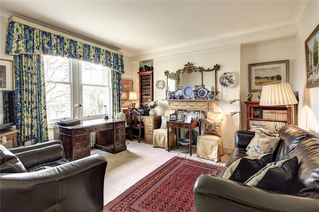 2 Bedrooms Flat for sale in Elm Park Gardens, Chelsea, London