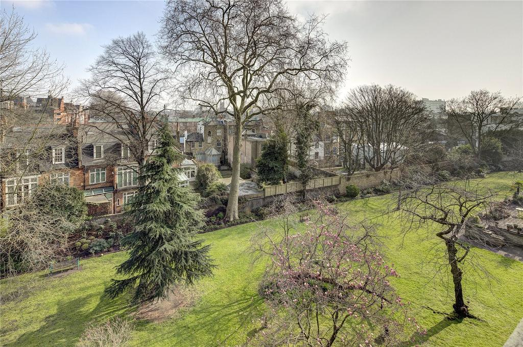 2 Bedrooms Flat for sale in Elm Park Gardens, Chelsea, London