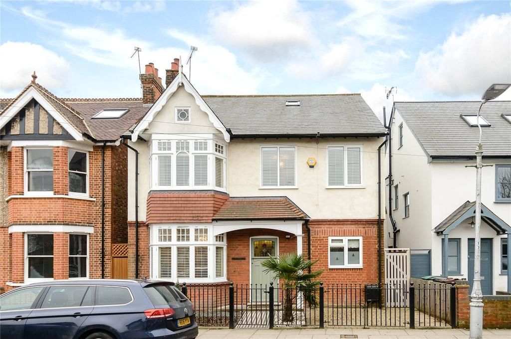 5 Bedrooms Detached House for sale in Brampton Road, St. Albans, Hertfordshire