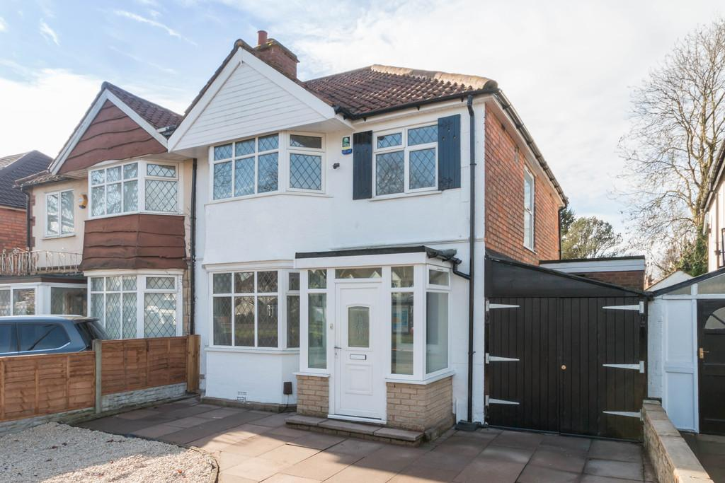 3 Bedrooms Semi Detached House for sale in Stratford Road, Hall Green