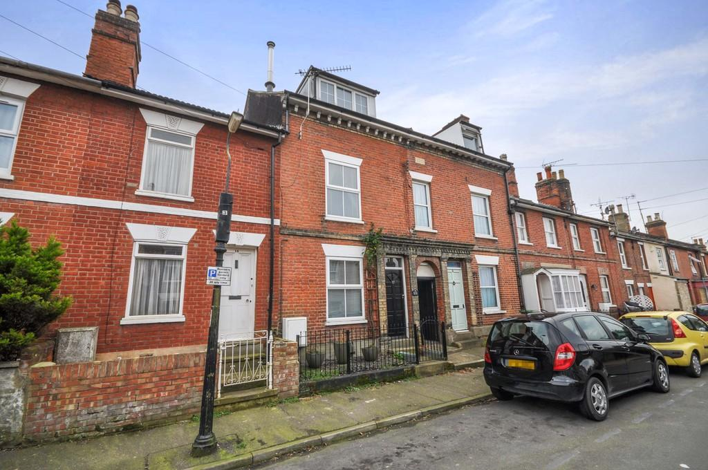 4 Bedrooms Town House for sale in Cromwell Road, Colchester