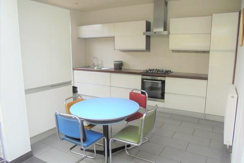 3 bedroom house to rent - Splott Road, Cardiff,