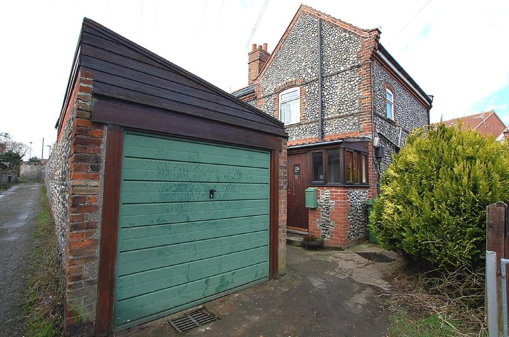 2 Bedrooms End Of Terrace House for sale in Chesterfield Cottages, Cromer