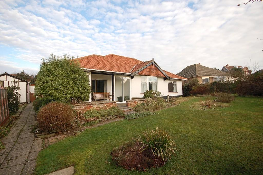 3 Bedrooms Detached Bungalow for sale in The Avenue, Sheringham