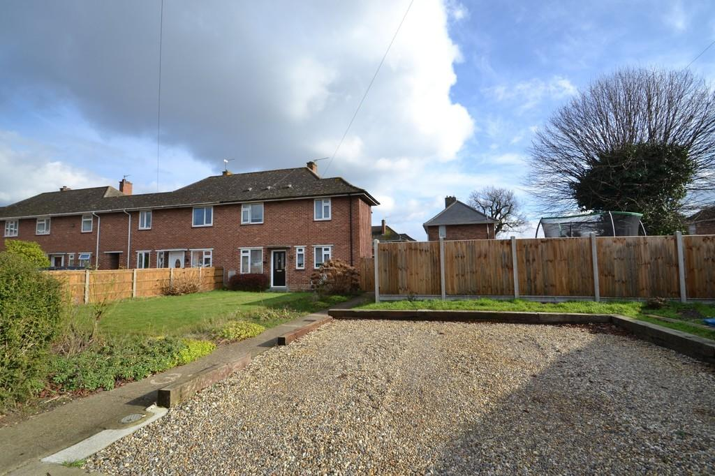 3 Bedrooms Semi Detached House for sale in Tuckswood Lane, Norwich