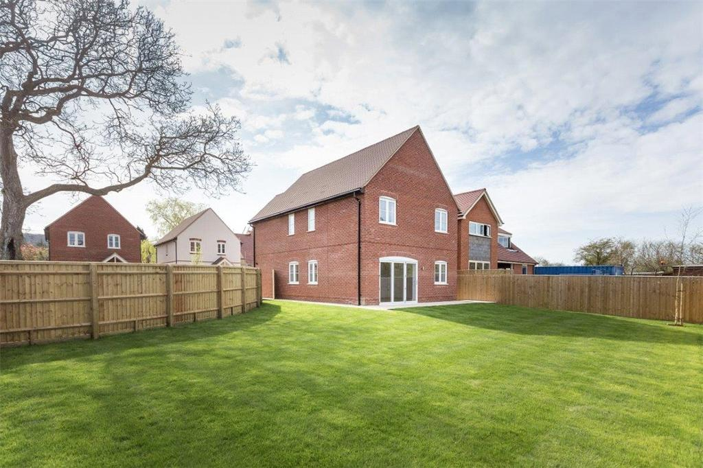 4 Bedrooms Detached House for sale in Walnut Tree Close, Chinnor, Oxfordshire, OX39