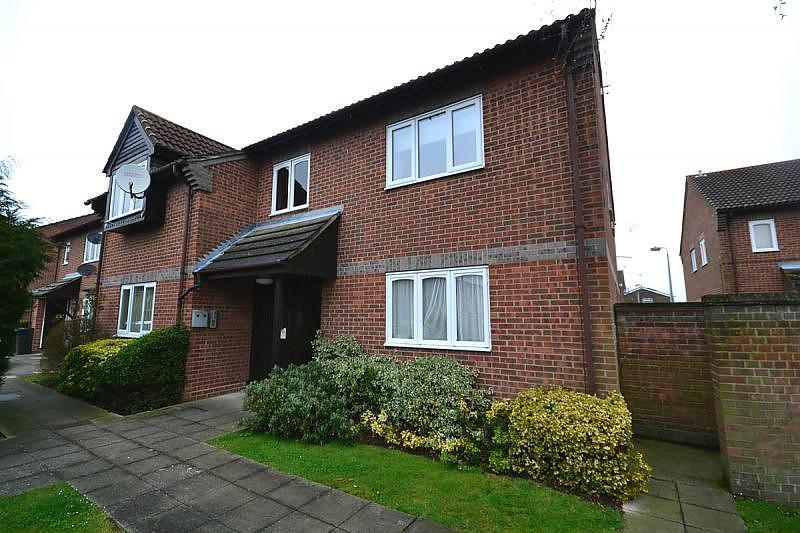 1 Bedroom Apartment Flat for sale in Wickham Road, Witham, Essex, CM8