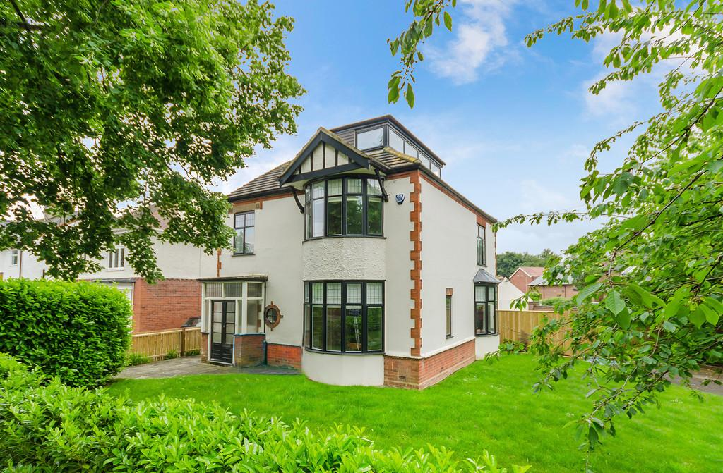 4 Bedrooms Detached House for sale in West Elloe Avenue, Spalding