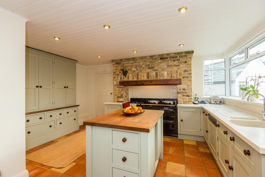 4 Bedrooms Detached House for sale in West Elloe Avenue, Spalding