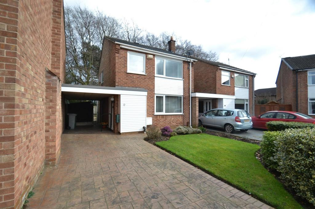 3 Bedrooms Link Detached House for sale in Drayton Close, Sale