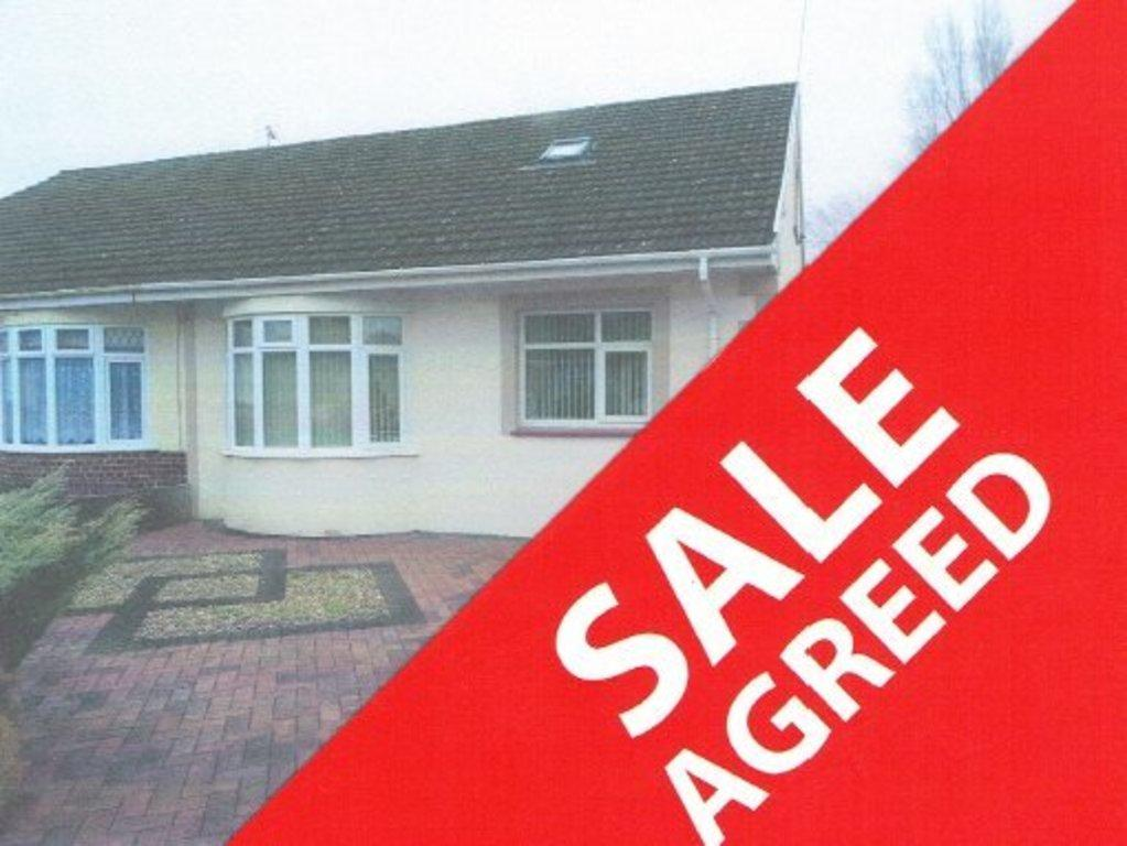 3 Bedrooms Semi Detached Bungalow for sale in ST JOHNS DRIVE, NEWTON, PORTHCAWL, CF36 5PW